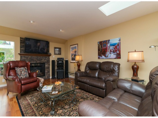 Photo 11: 12630 24A AV in Surrey: Crescent Bch Ocean Pk. House for sale (South Surrey White Rock)  : MLS(r) # F1423010