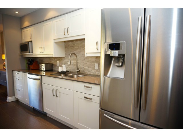 Photo 3: # 210 1720 W 12TH AV in Vancouver: Fairview VW Condo for sale (Vancouver West)  : MLS(r) # V1101253
