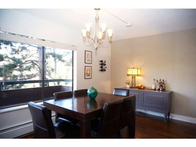 Photo 8: # 210 1720 W 12TH AV in Vancouver: Fairview VW Condo for sale (Vancouver West)  : MLS(r) # V1101253