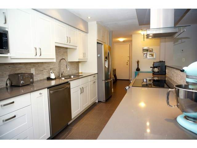 Photo 2: # 210 1720 W 12TH AV in Vancouver: Fairview VW Condo for sale (Vancouver West)  : MLS(r) # V1101253