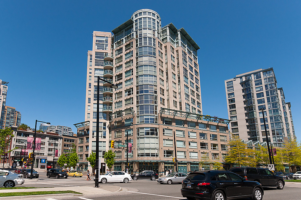 "Main Photo: 204 283 DAVIE Street in Vancouver: Yaletown Condo for sale in ""PACIFIC PLAZA"" (Vancouver West)  : MLS®# V951438"