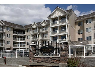 Main Photo: 418 500 ROCKY VISTA Gardens NW in CALGARY: Rocky Ridge Ranch Condo for sale (Calgary)  : MLS(r) # C3569596