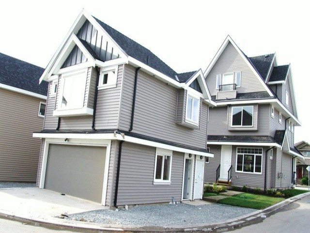 "Photo 20: 19068 68TH Avenue in Surrey: Clayton House for sale in ""Clayton Hill"" (Cloverdale)  : MLS® # F1320338"