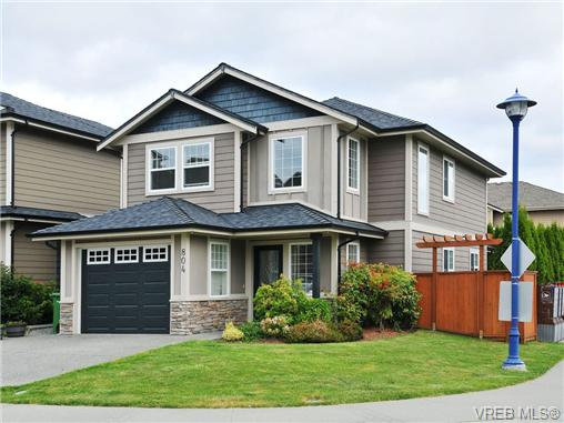 Main Photo: 804 Gannet Court in VICTORIA: La Bear Mountain Residential for sale (Langford)  : MLS(r) # 338049
