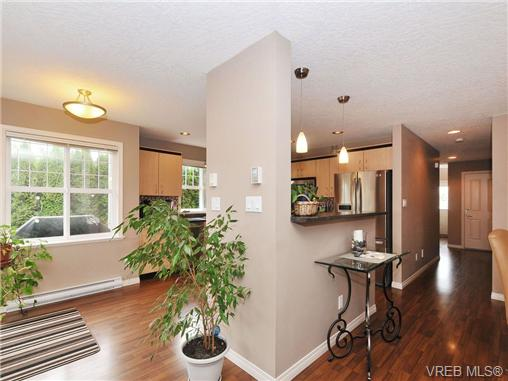 Photo 10: 804 Gannet Court in VICTORIA: La Bear Mountain Residential for sale (Langford)  : MLS® # 338049