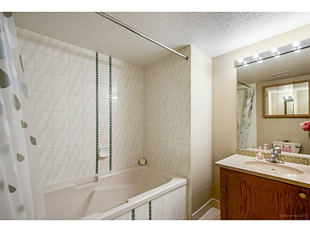 Photo 10: # 214 6735 STATION HILL CT in Burnaby: South Slope Condo for sale (Burnaby South)  : MLS® # V1129105