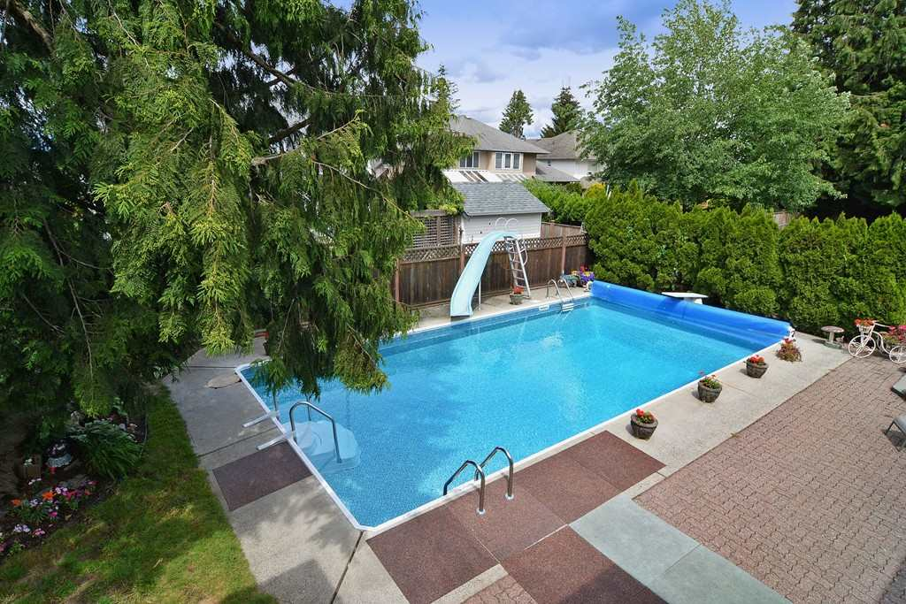 Photo 15: 20711 46 AVENUE in Langley: Langley City House for sale : MLS® # R2077062