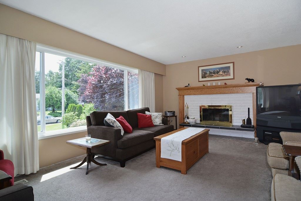 Photo 2: 20711 46 AVENUE in Langley: Langley City House for sale : MLS® # R2077062