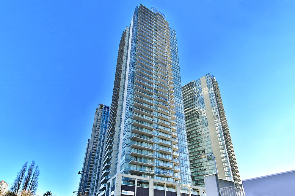 Main Photo: 1708 13688 100 AVENUE in Surrey: Whalley Condo for sale (North Surrey)  : MLS®# R2132498