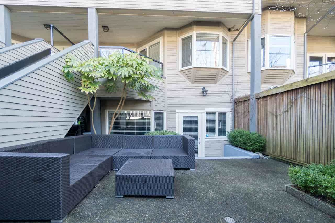 Photo 11: 2411 W 1ST AVENUE in Vancouver: Kitsilano Townhouse for sale (Vancouver West)  : MLS® # R2140613