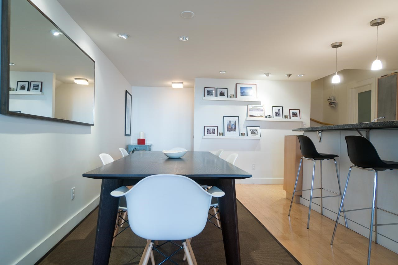 Photo 8: 2411 W 1ST AVENUE in Vancouver: Kitsilano Townhouse for sale (Vancouver West)  : MLS® # R2140613