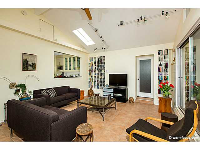 Photo 8: PACIFIC BEACH House for sale : 4 bedrooms : 1430 Missouri Street in San Diego