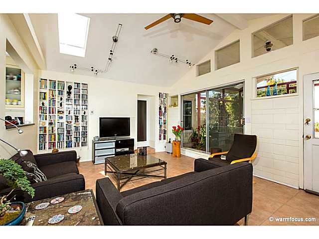 Photo 7: PACIFIC BEACH House for sale : 4 bedrooms : 1430 Missouri Street in San Diego