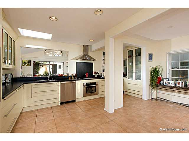 Photo 4: PACIFIC BEACH House for sale : 4 bedrooms : 1430 Missouri Street in San Diego