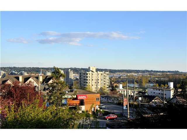 "Photo 2: # 404 519 12TH ST in New Westminster: Uptown NW Condo for sale in ""KINGSGATE HOUSE"" : MLS® # V1020580"
