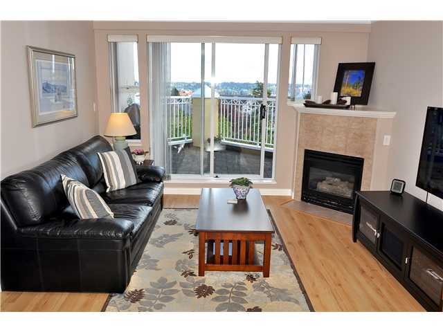 "Photo 3: # 404 519 12TH ST in New Westminster: Uptown NW Condo for sale in ""KINGSGATE HOUSE"" : MLS® # V1020580"