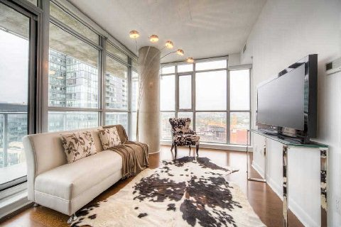 Photo 2: 375 King St W Unit #2109 in Toronto: Waterfront Communities C1 Condo for sale (Toronto C01)  : MLS® # C2915836