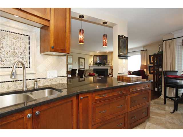 Main Photo: # 305 15150 29A AV in Surrey: King George Corridor Condo for sale (South Surrey White Rock)  : MLS® # F1410006