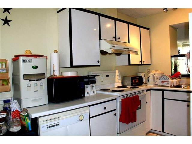 Photo 4: # 40 9328 128TH ST in Surrey: Queen Mary Park Surrey Condo for sale : MLS(r) # F1439740