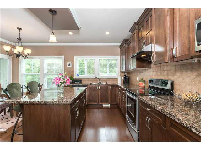 Photo 5: 13 3495 147A Avenue: White Rock Townhouse for sale (South Surrey White Rock)