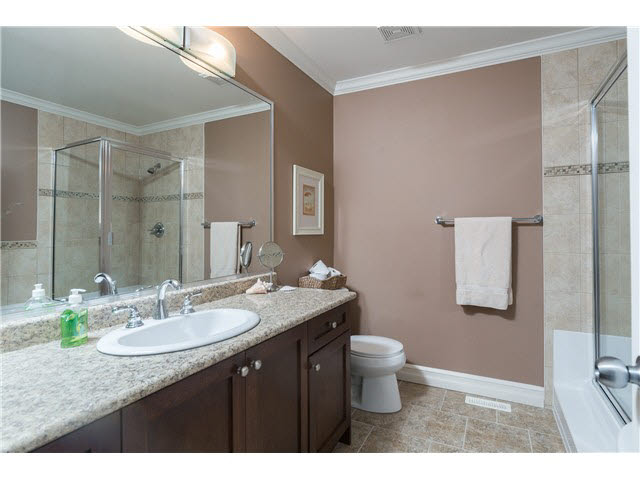 Photo 8: 13 3495 147A Avenue: White Rock Townhouse for sale (South Surrey White Rock)