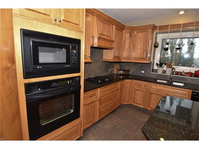 Photo 11: 315 ROYAL CO NW in Calgary: Royal Oak House for sale : MLS® # C4091132