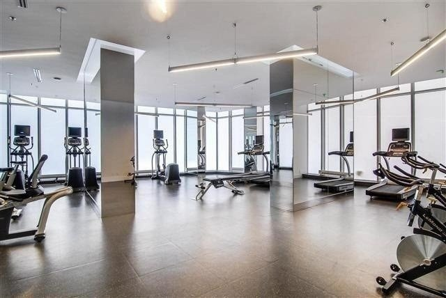 Photo 6: 14 York St Unit #4003 in Toronto: Waterfront Communities C1 Condo for sale (Toronto C01)  : MLS(r) # C3706392
