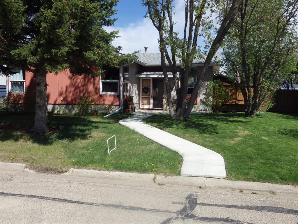 FEATURED LISTING: 5603 Drader Crescent Rimbey