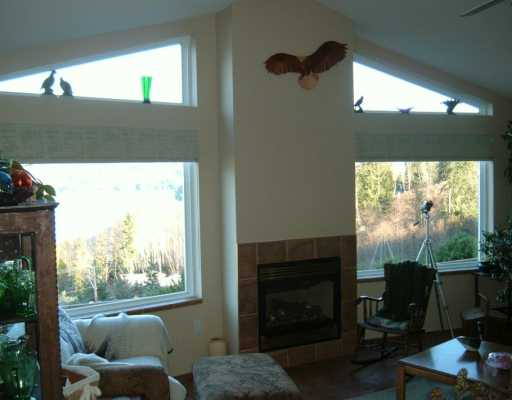 Photo 4: Photos: 6367 N GALE AV in Sechelt: Sechelt District House for sale (Sunshine Coast)  : MLS® # V581547