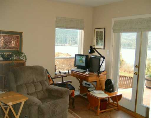 Photo 8: Photos: 6367 N GALE AV in Sechelt: Sechelt District House for sale (Sunshine Coast)  : MLS® # V581547