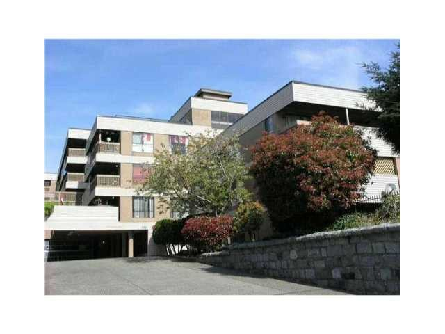 "Main Photo: 314 715 ROYAL Avenue in New Westminster: Uptown NW Condo for sale in ""VISTA ROYALE"" : MLS(r) # V966267"