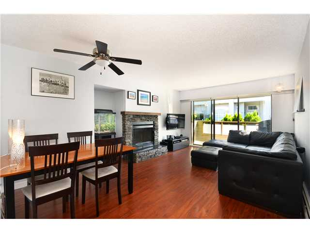 "Main Photo: 209 225 MOWAT Street in New Westminster: Uptown NW Condo for sale in ""THE WINDSOR"" : MLS(r) # V1016827"