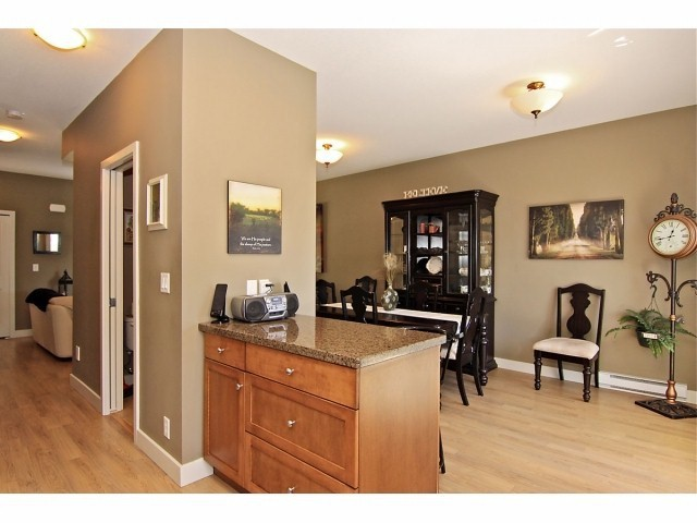 Photo 8: # 5 31235 UPPER MACLURE RD in Abbotsford: Abbotsford West Townhouse for sale : MLS® # F1400111