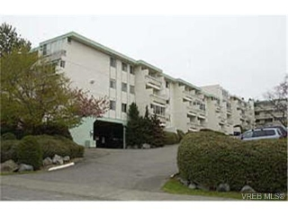 Main Photo: 415 1025 Inverness Road in VICTORIA: SE Quadra Condo Apartment for sale (Saanich East)  : MLS® # 154209