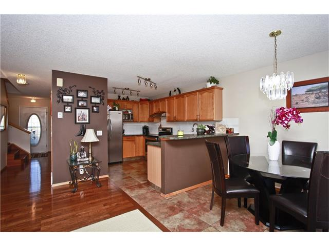 Photo 9: 169 CORAL SPRINGS ME NE in Calgary: Coral Springs House for sale : MLS(r) # C4062559
