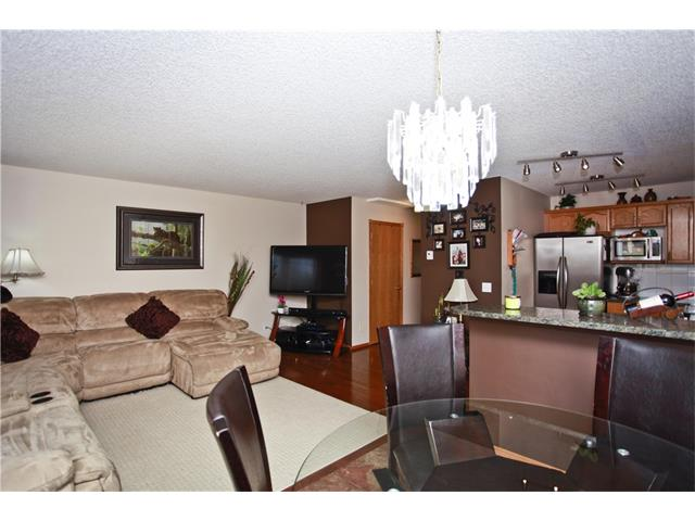 Photo 10: 169 CORAL SPRINGS ME NE in Calgary: Coral Springs House for sale : MLS(r) # C4062559