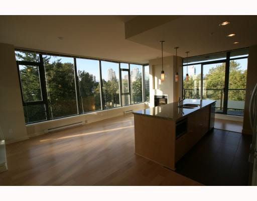 Main Photo: 903 7088 18TH Avenue in Burnaby: Edmonds BE Condo for sale (Burnaby East)