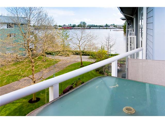 "Photo 9: 411 1880 KENT AVE SOUTH Avenue in Vancouver: Fraserview VE Condo for sale in ""PILOT HOUSE"" (Vancouver East)  : MLS® # V949212"