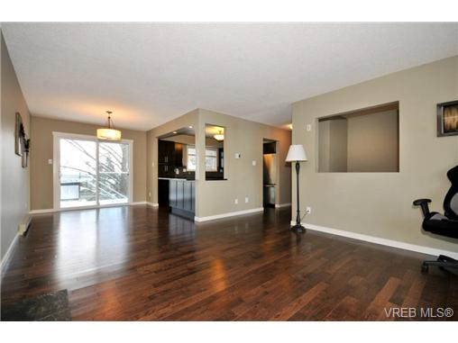 Photo 9: 7681 Wallace Drive in SAANICHTON: CS Saanichton Residential for sale (Central Saanich)  : MLS(r) # 334704