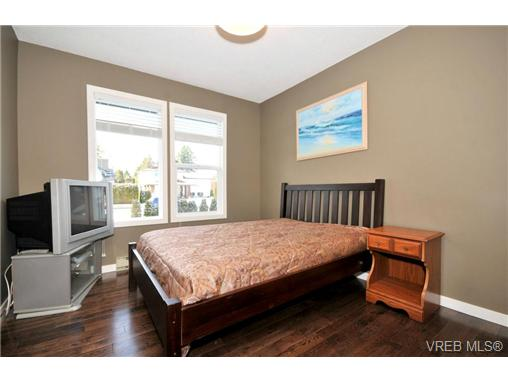 Photo 13: 7681 Wallace Drive in SAANICHTON: CS Saanichton Residential for sale (Central Saanich)  : MLS(r) # 334704