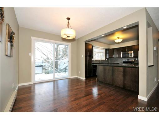 Photo 6: 7681 Wallace Drive in SAANICHTON: CS Saanichton Residential for sale (Central Saanich)  : MLS(r) # 334704