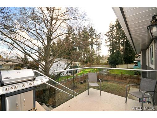 Photo 16: 7681 Wallace Drive in SAANICHTON: CS Saanichton Residential for sale (Central Saanich)  : MLS® # 334704