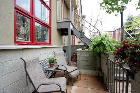 Photo 2: 21 Earl St Unit #102 in Toronto: North St. James Town Condo for sale (Toronto C08)  : MLS(r) # C2924291