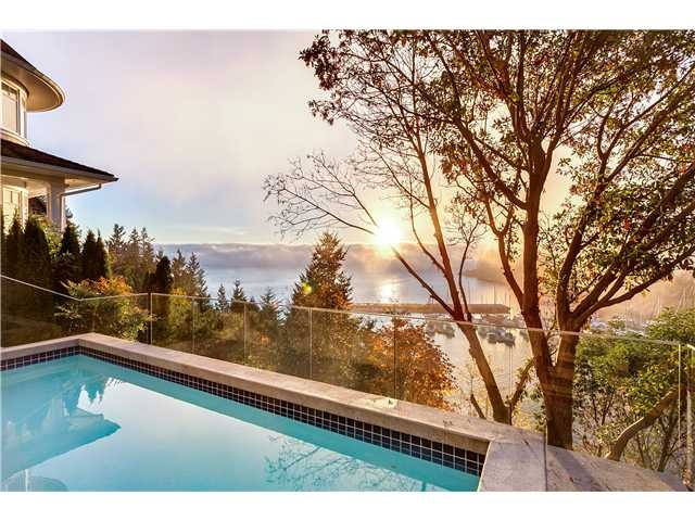 Main Photo: 5598 Gallagher Pl in West Vancouver: Eagle Harbour House for sale : MLS®# V1048086