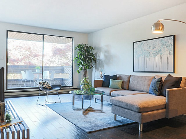 Main Photo: # 205 1575 BALSAM ST in Vancouver: Kitsilano Condo for sale (Vancouver West)  : MLS® # V1128128