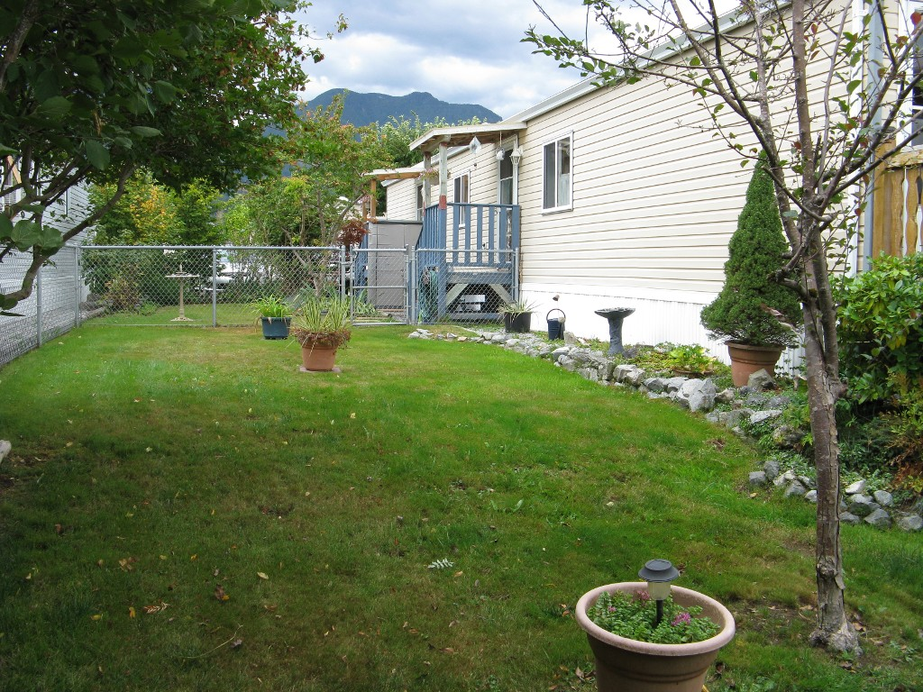Photo 14: 38 41168 Lougheed Hwy in Mission: Dewdney Deroche Manufactured Home for sale : MLS® # R2017979 b