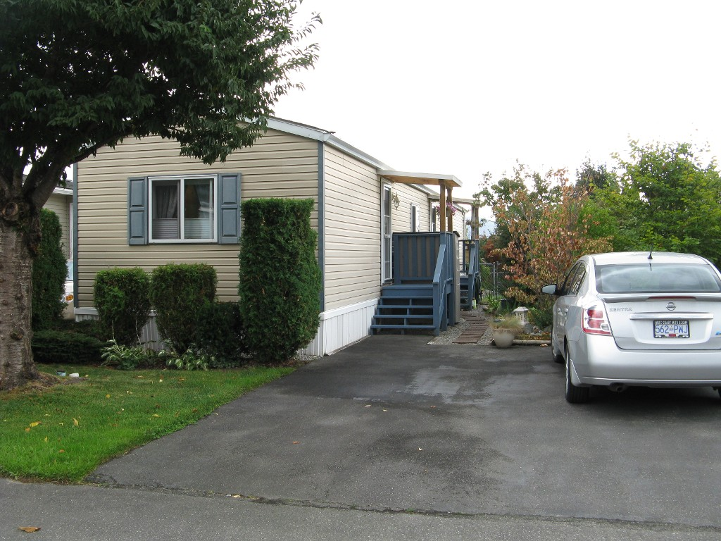 Photo 1: 38 41168 Lougheed Hwy in Mission: Dewdney Deroche Manufactured Home for sale : MLS® # R2017979 b
