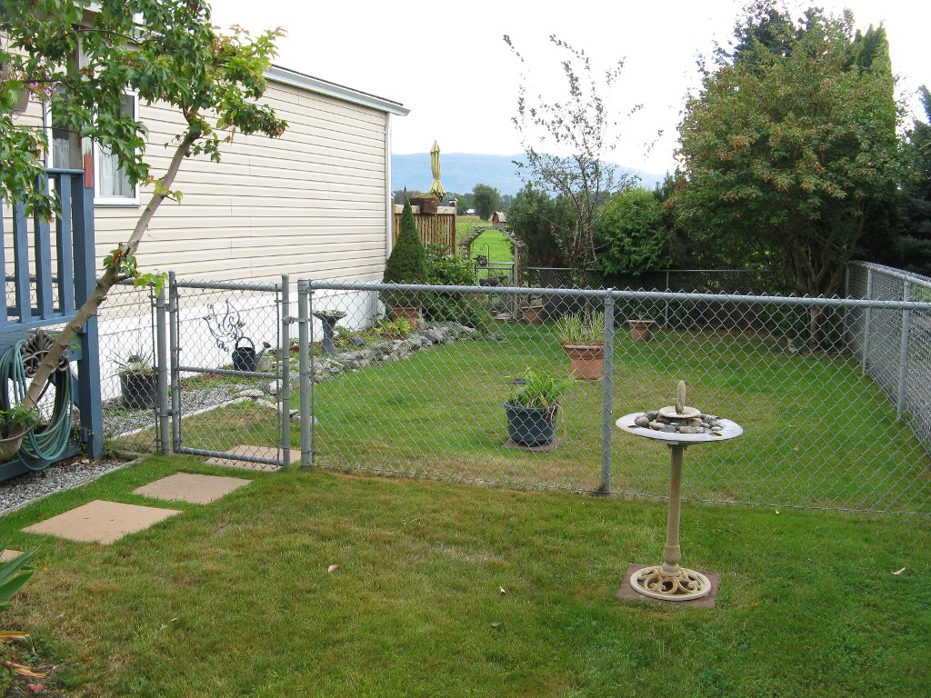 Photo 13: 38 41168 Lougheed Hwy in Mission: Dewdney Deroche Manufactured Home for sale : MLS® # R2017979 b
