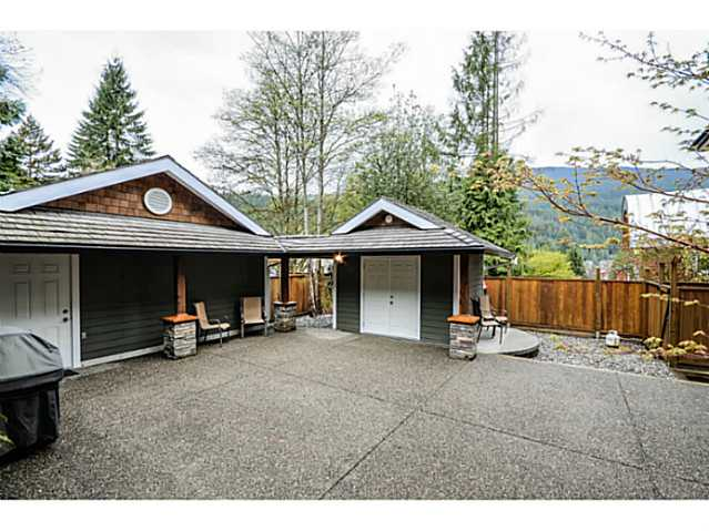 Photo 15: 1943 ROCKCLIFF RD in North Vancouver: Deep Cove House for sale : MLS(r) # V1059830