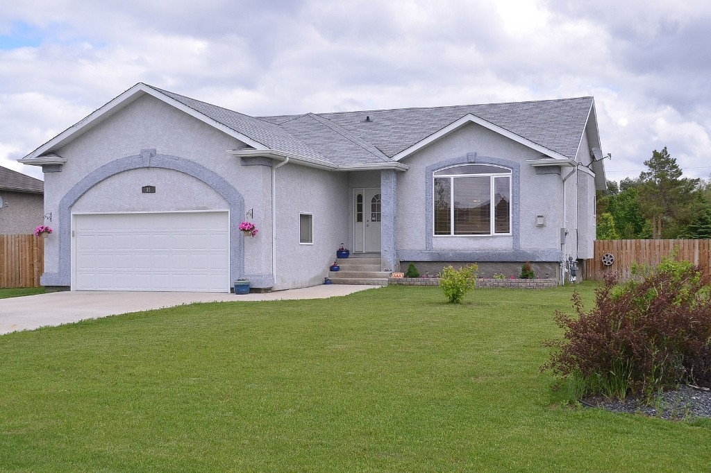 Main Photo: 15 Tyler Bay in Oakbank: Single Family Detached for sale : MLS® # 1414494